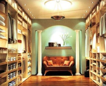 como organizar una tienda de ropa de hombres