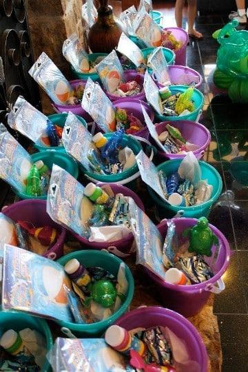 cumpleaños en piscina para niños cotillones