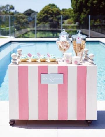 cumpleaños en piscina para niños postres