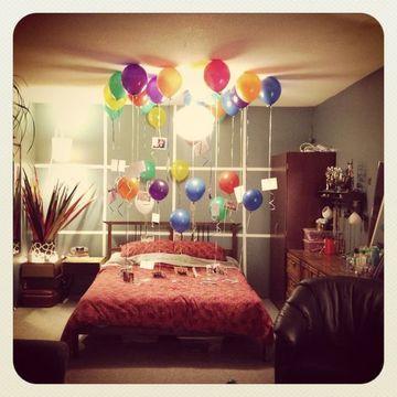 decoracion de aniversario de novios en su cuarto