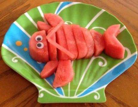 decoracion de frutas para niños como langosta