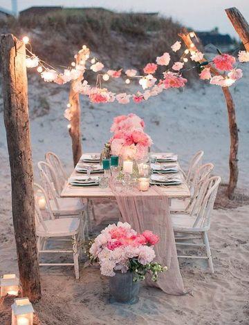 imagenes de arreglos florales para boda en la playa