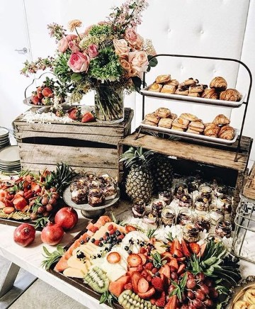 imagenes de mesas de frutas para fiestas en el campo