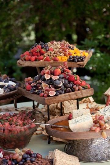 imagenes de mesas de frutas para fiestas rusticas