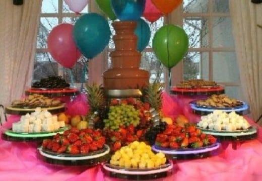mesas de frutas para 15 años con variedad