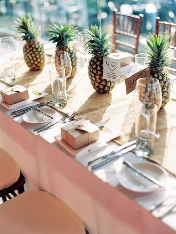 piñas decoradas para centro de mesa arreglos