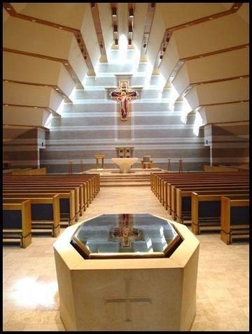 altares de iglesias catolicas moderno