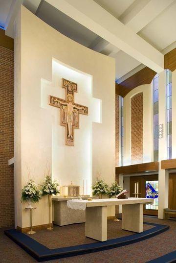 altares de iglesias catolicas sencillo