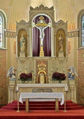 altares de iglesias catolicas