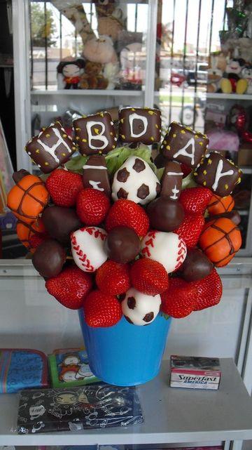 arreglos de frutas para hombres de cumpleaños