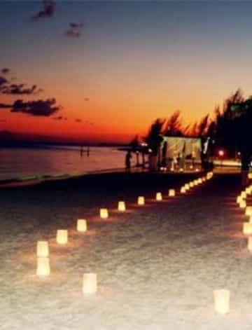 bodas en la playa de noche