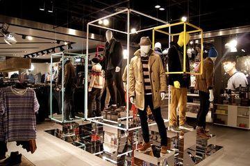 decoracion de tiendas de ropa modernas de hombre
