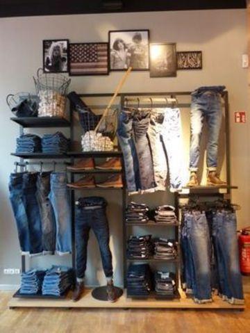 decoracion de tiendas de ropa modernas pequeña