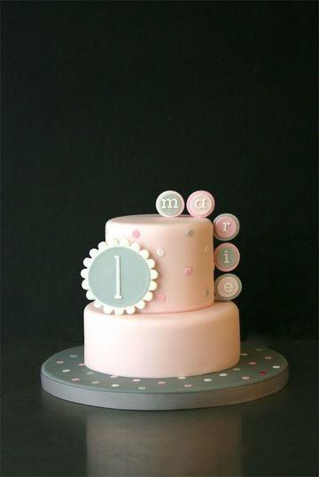 tortas para nena de 1 año con diseño geometrico