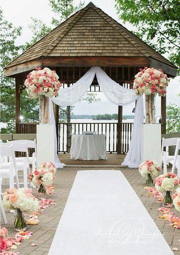 adornos florales para bodas en exteriores