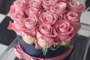 Hermosos y majestuosos arreglos de flores de cumpleaños