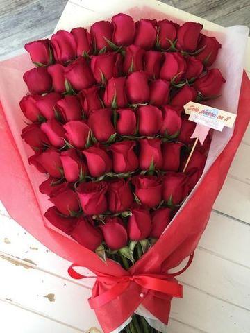 arreglos florales con rosas rojas naturales