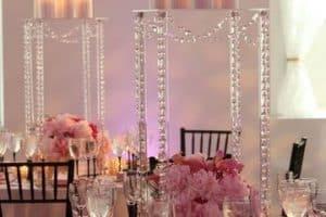 Estilos decorativos con candelabros para centros de mesa