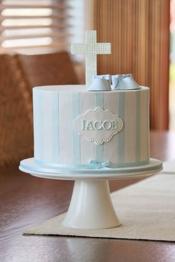 pasteles para bautizo de niño a rayas