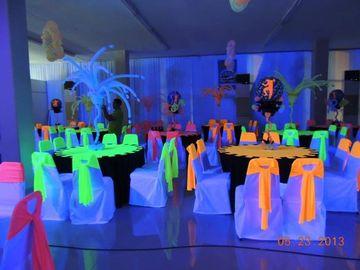 accesorios neon para fiestas en salones