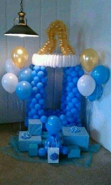 arreglos con globos para baby shower niño