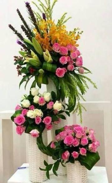 arreglos florales sencillos y elegantes para fiesta