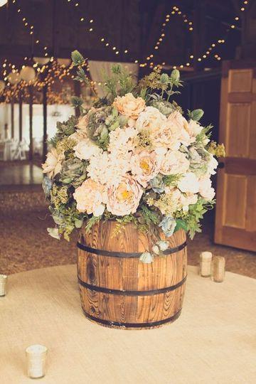 arreglos rusticos para bodas para la entrada