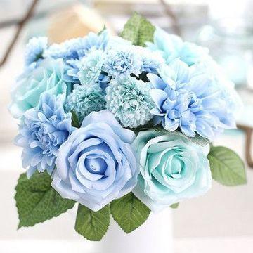 centros de mesa artificiales para boda azules