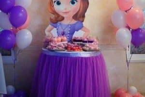 Una bonita decoracion sencilla de princesa sofia
