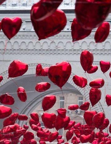 globos de corazon con helio en bodas
