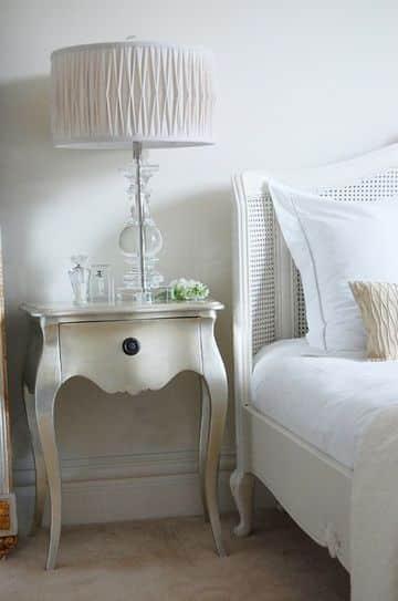 mesas coquetas en madera para habitación