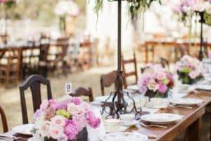 Estilos decorativos y adornos de mesa para xv años