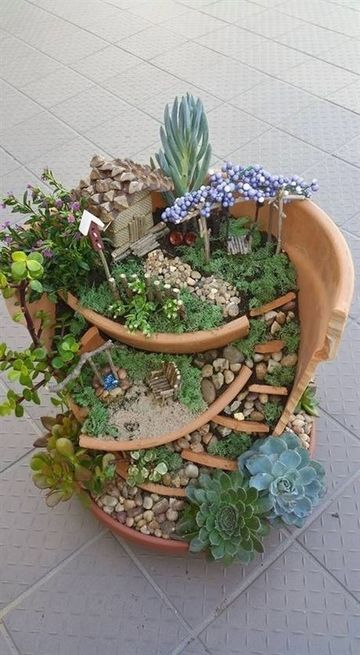 jardines japoneses en miniatura en porron