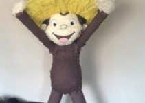 Bonito y divertido modelo de piñata de jorge el curioso