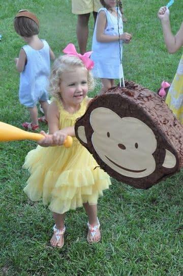 piñata de jorge el curioso pequeña