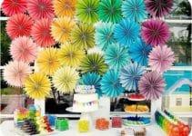 Una hermosa decoracion de colores para cumpleaños