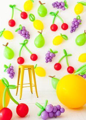decoracion de pared con globos de frutas