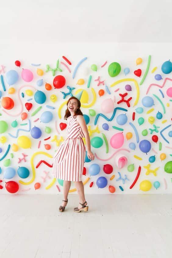 decoracion de pared con globos de varios tipos