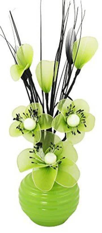 adornos con flores artificiales hechas a mano