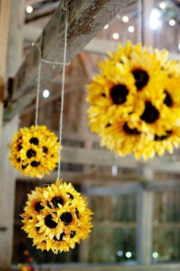 adornos con flores artificiales para decorar exteriores