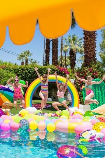 piscinas para celebrar cumpleaños de adolecentes