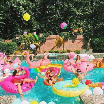 piscinas para celebrar cumpleaños de adultos