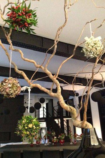 adornos con ramas secas de arboles