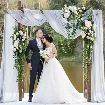 arcos decorados para bodas al aire libre