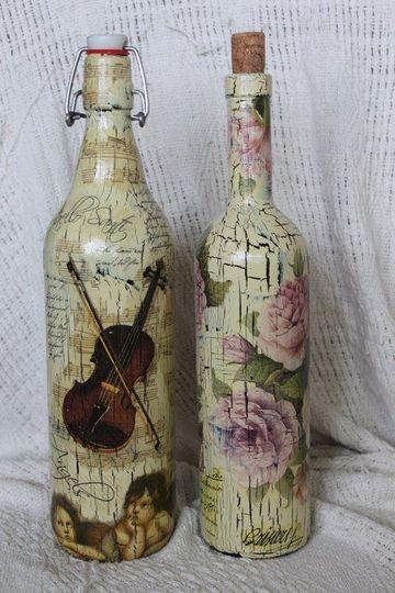 botellas de vidrio decoradas con servilletas vintage