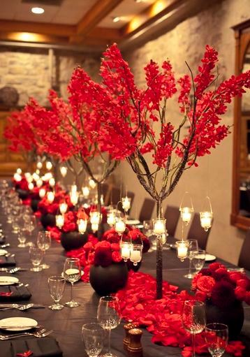 decoracion en rojo para matrimonio de noche
