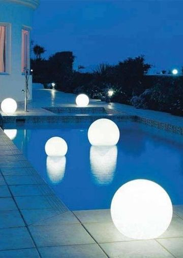 luces flotantes para piscinas en esferas