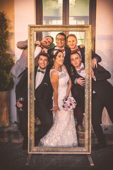 marcos gigantes para fotos de boda dorados