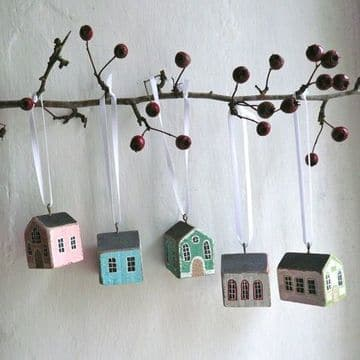 casas en miniatura de madera para decorar en navidad