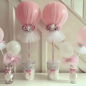 centros de mesa con globos y tul hermosos
